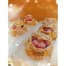 草莓波蘿大泡芙
